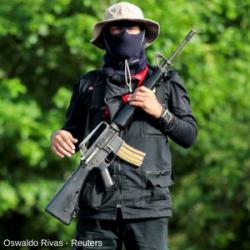 Milicianos são usados para refrear e matar manifestantes na Nicarágua
