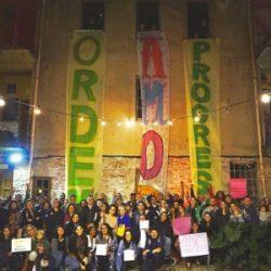 Artistas, acadêmicos e comunidade do Vila Flores fazem ato pela paz