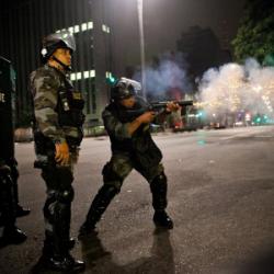 Defendidas por Witzel, operações após mortes de policiais geram mais mortes